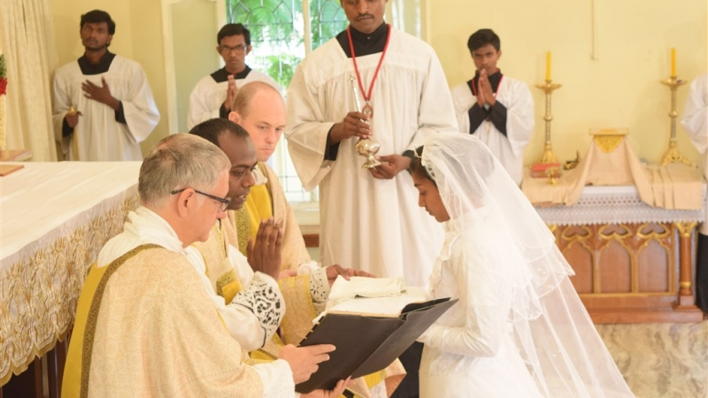 Sr. Maria Michaela receive habit