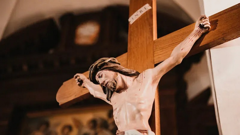 Improperia: Christ speaks to us from the Cross